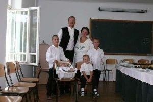 b_300_300_16777215_00_images_stories_Igaz_Pedagogia_kovacs_csaladja.jpg